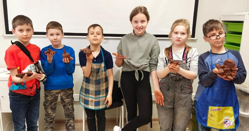 Настя Миро посетила Школу